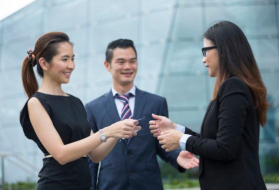 Trienglish - Business English at a Global Environment